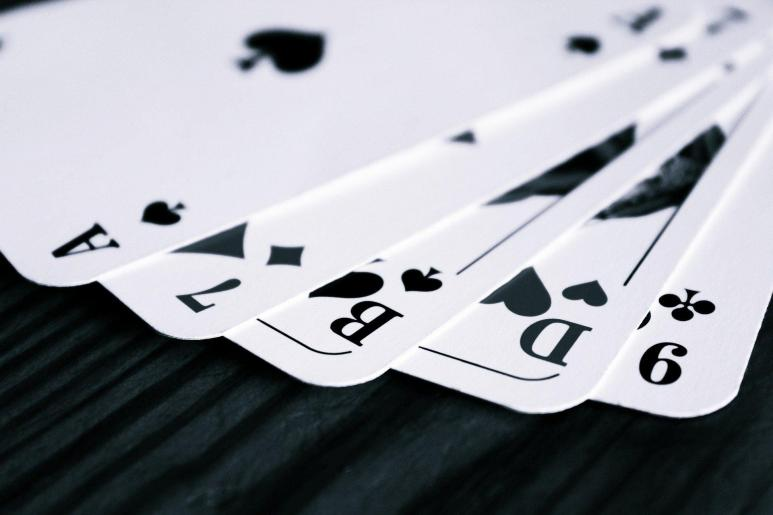 Ein Bild von mehreren Spielkarten